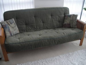 green couch for selling your stuff on Craigslist example