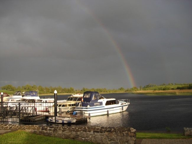 Rainbow with boats in Carrick on Shannon