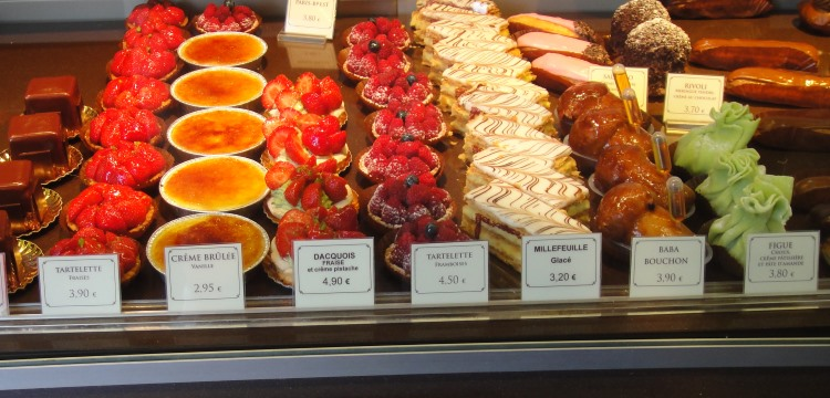 desserts in shop on rue clere
