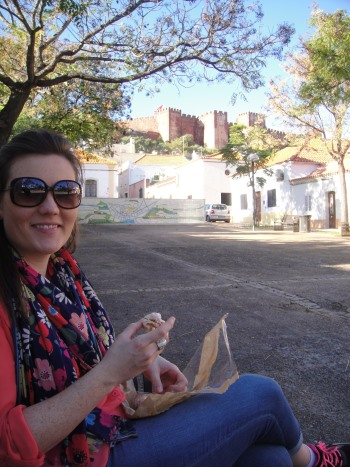 Meredith eating picnic in Silves