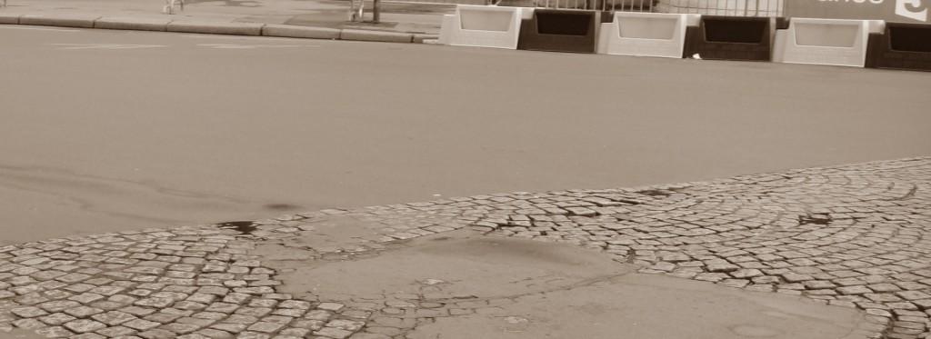place de la concorde cobblestones